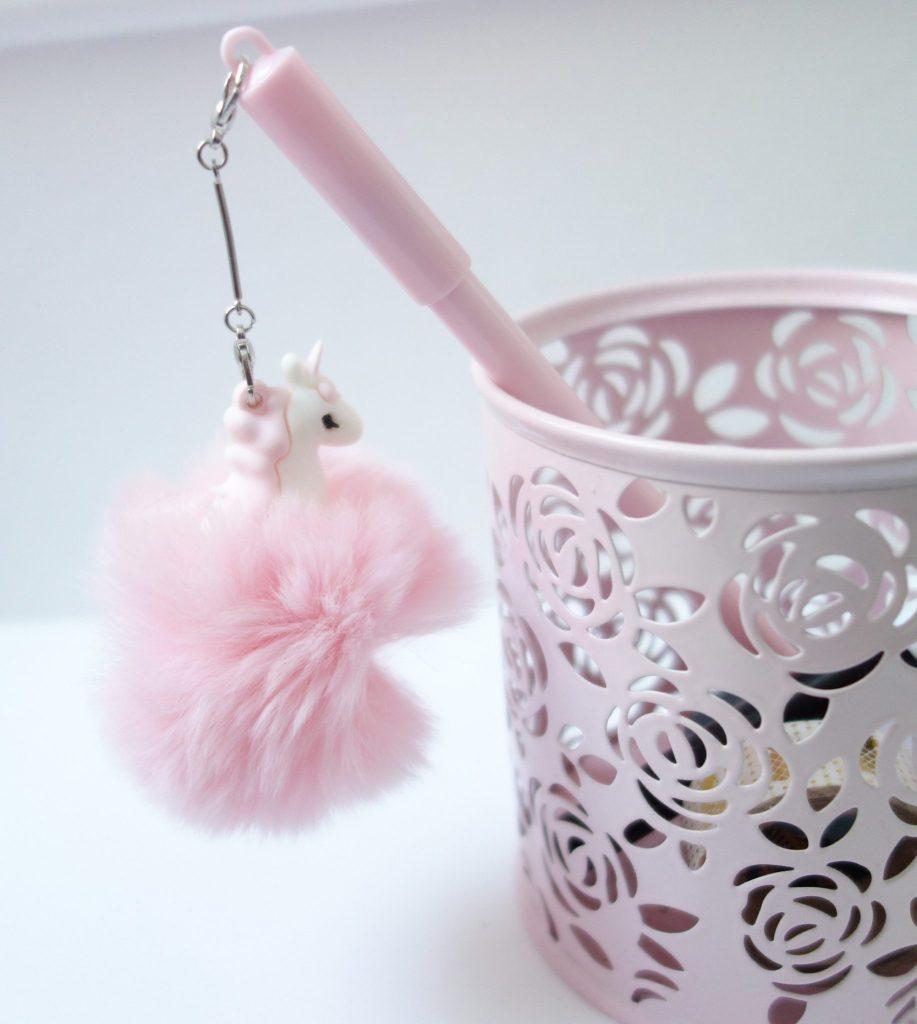 Stylo licorne pompon rose clair