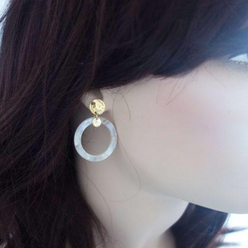 Boucles d'oreilles acétate crème