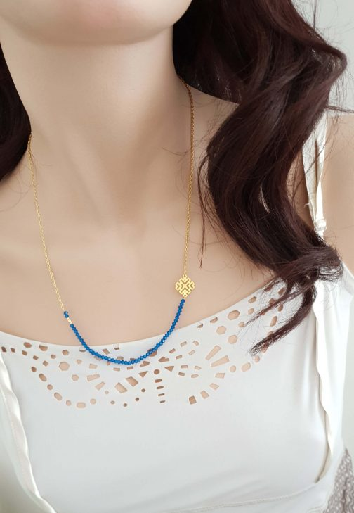 Collier perles bleues