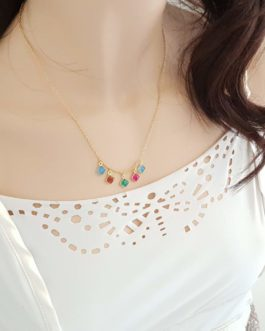 Collier pierres colorées